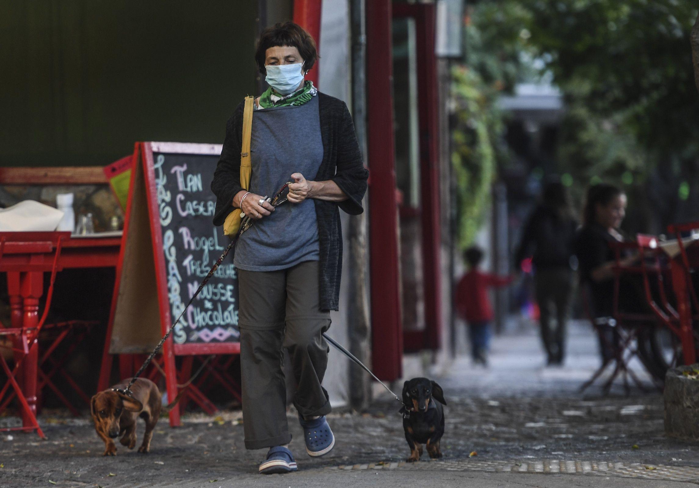 Anuncian que Argentina podría salir de la pandemia a fines de 2021
