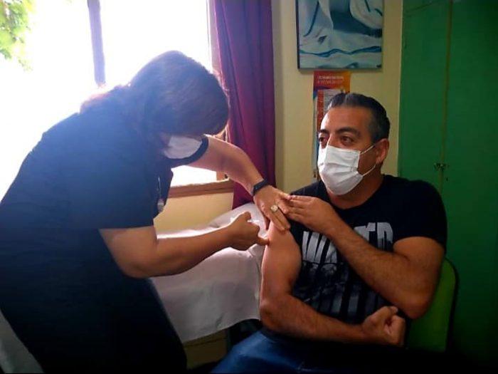 COVID-19: comienza la inscripción para vacunar a los trabajadores de prensa de Mendoza