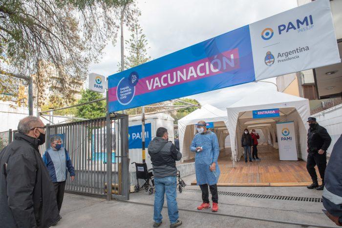 El PAMI sumó un punto de vacunación a los 25 que existen en Mendoza